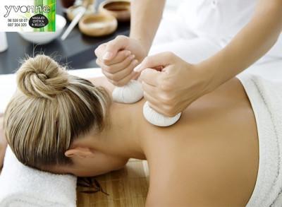 Masaje relajante en Denia con aceites esenciales y pindas