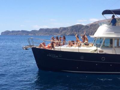 Despedida de soltera en barco Javea o Denia