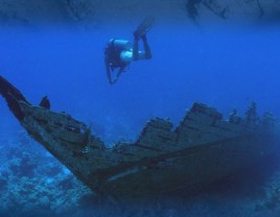 Excursión en barco a las bodegas submarinas de Calpe con degustación de vino envejecido