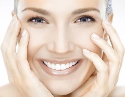 Tratamiento facial hidratante en Jávea con ácido hialurónico