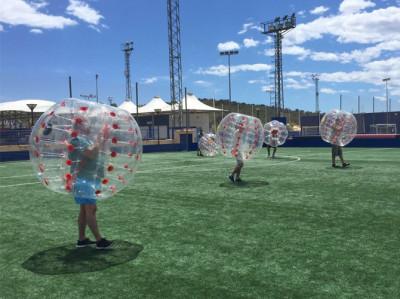 Partido de Fútbol dentro de una burbuja hinchable Denia