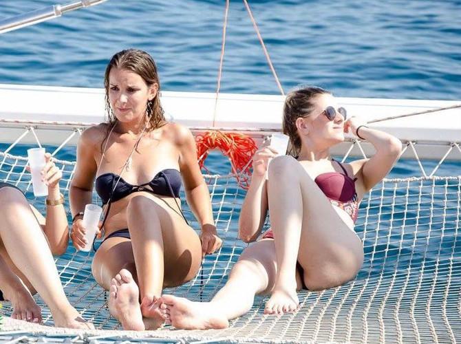 Fiesta alicante en barco