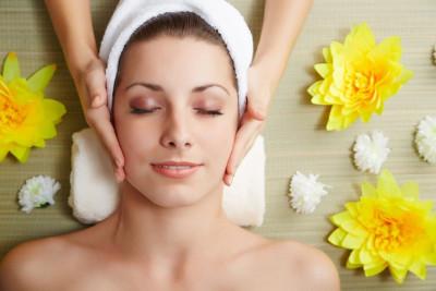 Tratamiento Facial, Peeling Corporal y Manicura de Seda
