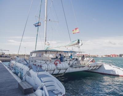 Excursión en Catamarán en Valencia con Comida, Baño y Snorkel
