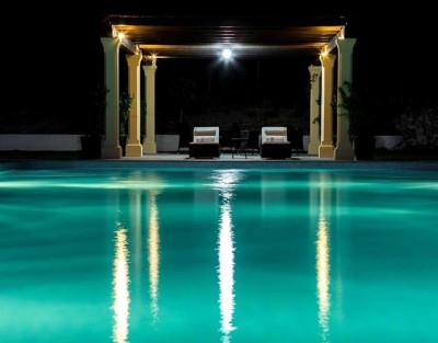 Escapada romántica en el Hotel La Escondida con cava de bienvenida