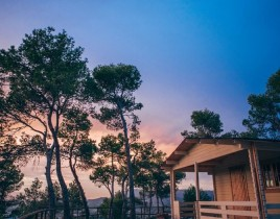Escapada romántica en cabaña privada para 2 personas con cava en el Hotel La Escondida