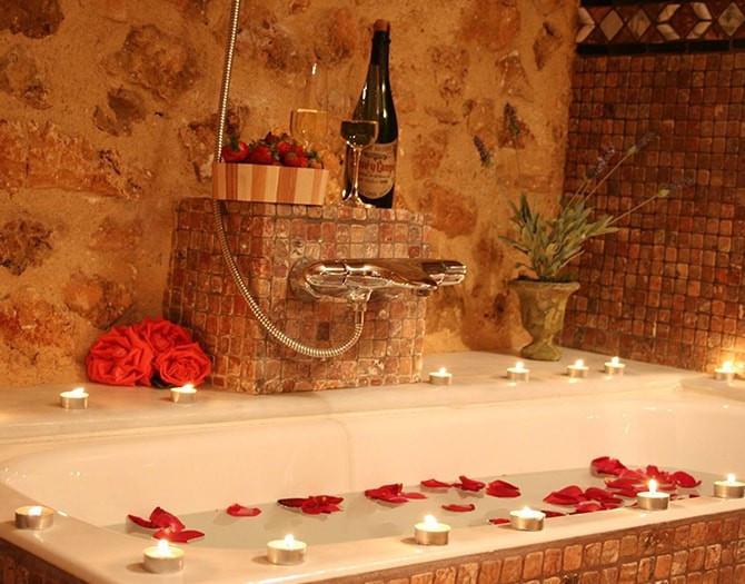 Escapada Romántica con Cena en Hotel Casa Babel