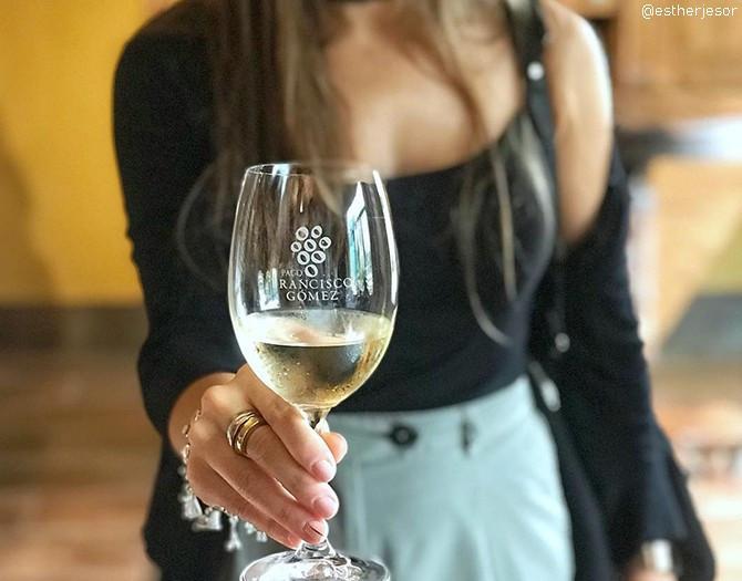 Visita guiada + Cata de 4 Vinos y 2 Aceites con Maridaje