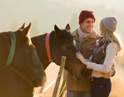 Escapada Romántica en Morella con Paseo a Caballo para 2