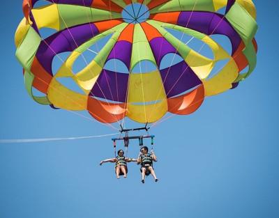 Parasailing en Alicante ¡Disfruta del vuelo y paseo en barco!