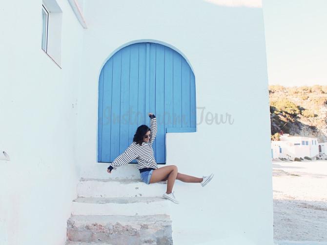 puerta azul javea instagram