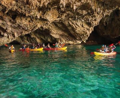 Excursión en Kayak Granadella y Cueva del Llop Marí con Snorkel