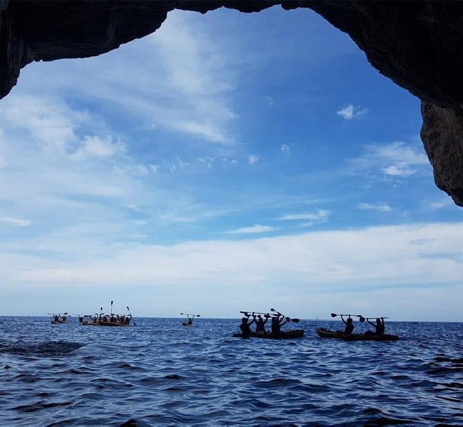 cueva-moraira-en-kayak