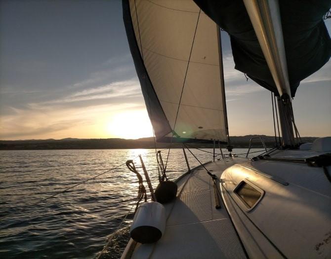 Puesta de sol en velero en Moraira
