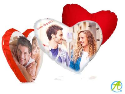 Cojín en forma de corazón personalizado