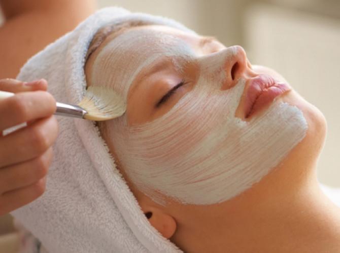 Tratamiento facial hidratante en Pedreguer