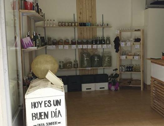 Gin Herbes Exclusive&Drinks en Gata de Gorgos-foto2